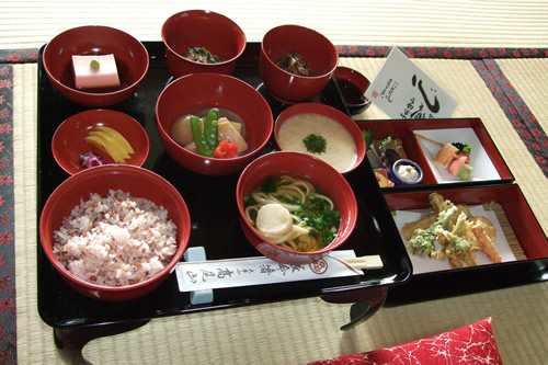 Head temple takao san yakuo in official site shojin ryori for Cuisine zen